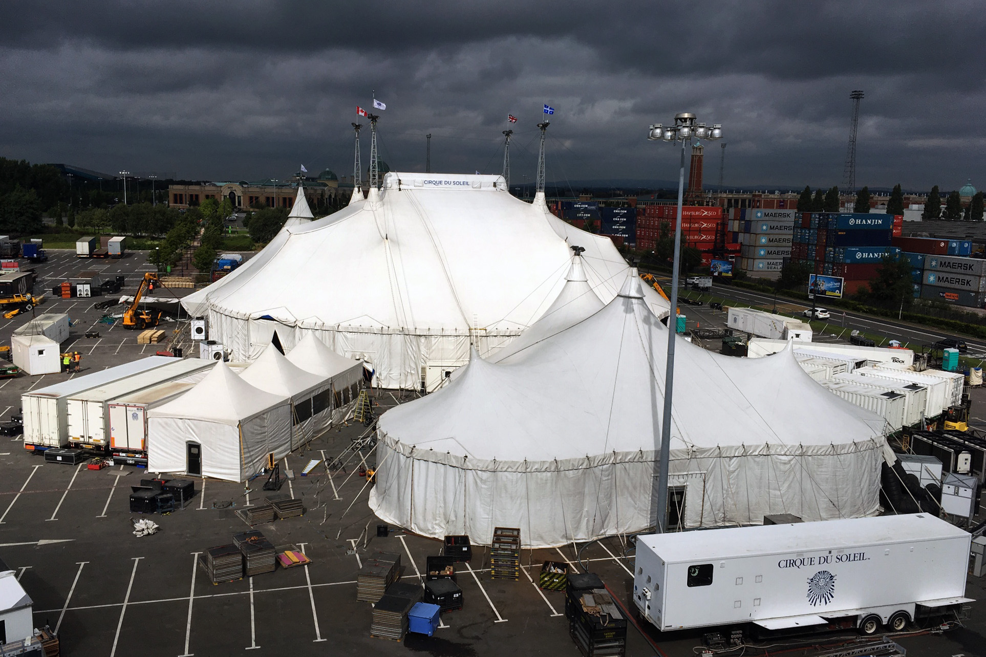 case study on cirque du soleil Cirque du soleil is one of the most famous (and the largest) theater production  companies in the world the show began in 1984 with a small tr.